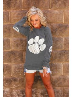 Southern Blyss Online Store- Paw Spirit Top | Southern Blyss (http://www.southernblyss.com/collections/frontpage/products/paw-spirit-shirt)