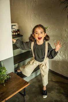 New kids dancing drawings Ideas Cute Kids, Cute Babies, Baby Kids, Outfits Niños, Kids Outfits, Beautiful Children, Beautiful Babies, Poses, Wow Photo