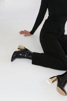 Elegant minimalism with a avantgarde twist Designing Women, Designer Shoes, Minimalism, Ankle, Elegant, Heels, Boots, Shopping, Dapper Gentleman
