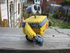 Wall-E free crochet pattern