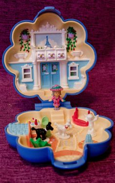 Polly Pocket - 1990 Fifi's Parisian Apartment Playset