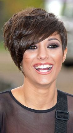 Frankie Sandford Shows Off Her Textured Layers For The Saturdays Band Hero Launch, 2009