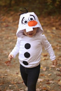 Disney Costume Caroline's Olaf Costume by Hello Holli Olaf Halloween Costume, Snowman Costume, Halloween Fun, Toddler Costumes, Family Costumes, Baby Costumes, Baby Olaf Costume, Frozen Costume, Disney Diy