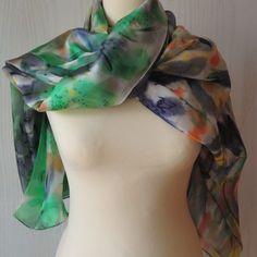 H1081_05_lirios en verde Natural, Fashion, Irises, Silk, Elegant, Moda, Fashion Styles, Fashion Illustrations, Nature