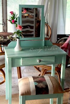 Just bought a vanity and a bench at a garage sale.  Mirror was missing. Oh well.  I am going to paint and reupholster the seat.  Now....what color???