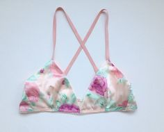35 Bras You'll Want to Show Off This Summer - http://www.thelingerieaddict.com/2013/06/35-bras-youll-want-to-show-off-this-summer.html (Bra shown by Zinke)