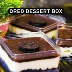 200 gr oreo crumbs 6 sdm butter (lelehkan) Cara membuat base Oreo Dessert, Dessert Boxes, Oreo Cake, Puding Oreo, Puding Cake, Resep Cake, Cake Recipes, Snack Recipes, Dessert Recipes