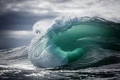 Warren Keelan ventures into the ocean in order to capture his breathtaking images of waves rising and falling along the coastline of south-eastern Australia. No Wave, Water Waves, Sea Waves, All Nature, Amazing Nature, Spring Nature, Beautiful Ocean, Waves Photography, Nature Photography