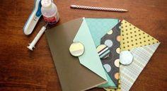 Deixe muito mais charmosos os seus momentos de organização da rotina de sua casa com este artesanato para bloco de notas. E a seguir você vai aprender pas
