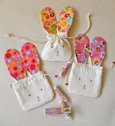 Make Easter gifts yourself - show a small, nice gesture - Ostern mit Kindern basteln - Anna gift Easter Projects, Easter Crafts, Crafts For Kids, Easter Gift, Bunny Crafts, Easter Decor, Spring Crafts, Holiday Crafts, Cute Easter Bunny