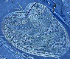 Crop circles, Alpine style: Artist creates incredible impression with his giant patterns in the snow Simon Beck, Snow Artist, Ephemeral Art, Alpine Style, Snow Sculptures, Crop Circles, Winter Photos, Outdoor Art, Environmental Art