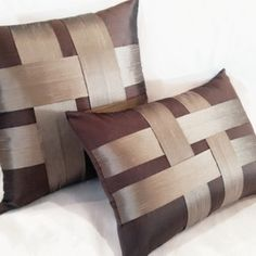 Bow Pillows, Sewing Pillows, Bed Cover Design, Designer Bed Sheets, No Sew Pillow Covers, Duvet Bedding, Colorful Curtains, Diy Home Crafts, Soft Furnishings