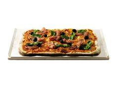 Der Pizza-Stein von Weber ist speziell für das Weber Gourmet BBQ System entwickelt worden. Mit diesem Pizza-Stein wird Euch gesundes Grillen garantiert. Der hochwertige Weber Pizzastein ist aus Cordierit gefertigt.