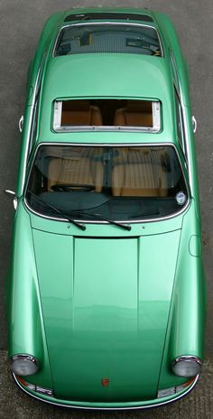 Porsche 911 - Beautiful, great colour