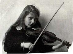 Alma Rosé. Violinist. Niece of Gustav Mahler. Died at Auschwitz.