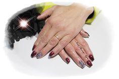Unhas em Gel em cor beringela com nail art mix gliters