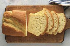 Gluten-Free Sandwich Bread High-rising, tender, soft white sandwich bread – and it's gluten-free. Gluten Free Sandwich Bread Recipe, Gluten Free Sandwiches, Zucchini Muffins, Pain Sans Gluten Au Thermomix, Gluten Free Baking, Gluten Free Recipes, Gf Recipes, Healthy Recipes, Patisserie Sans Gluten