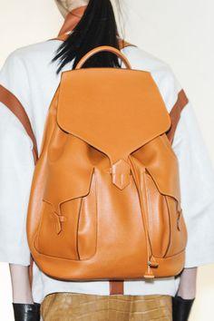 Tendencias accesorios primavera verano 2013 zapatillas y mochilas: Hermès