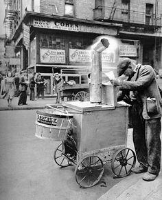 Berenice Abbott - Roast corn man, Manhattan, 1938. Ah, yes, just like the roast chestnuts of today!