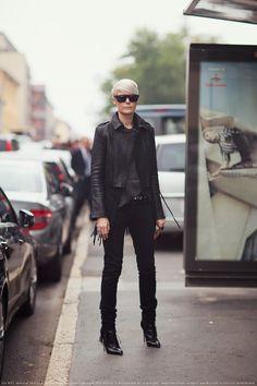 oh twist my rubber arm why dontcha #StockholmStreetStyle. Kate Lanphear head to toe bonkers cool. sooooo good. Milan.
