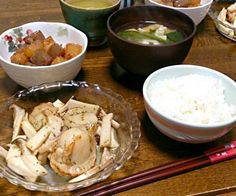 ホタテとエリンギのソテーも美味しいけどさくちんさんの旨辛コロコロ大根とこんにゃくが最高です(o^-')b  ついついお代わりに手が伸びちゃいます(๑><๑) - 35件のもぐもぐ - ホタテとエリンギのソテー&さくちんさんの旨辛コロコロ大根とこんにゃく&小松菜と油揚げの味噌汁 by sakachinmama