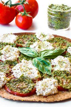 Easy Vegan Oil Free Pesto • Healthy Midwestern Girl Veggie Recipes, Whole Food Recipes, Diet Recipes, Veggie Meals, Vegan Pesto Pasta, Pesto Pizza, Best Diet Foods, Food Program, Clean Diet
