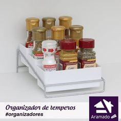 Organizador de temperos, a partir de R$ 32,00 :: Adquira aqui: https://www.aramado.com #cozinha #maisespaço #aramado #reforma #muitoamor #decor #design #homesweethome #lardocelar #nossolar #nossacasa #instadecor #decoration #designdeinteriores #interiordesign #arquitetura #decorhome #meular #meucantinho #homedecor #myhome #casa #apto #decoração #lojavirtual