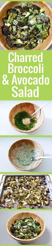 Une salade de brocoli rôti vraiment savoureuse, avec un assaisonnement crémeux au sésame (tahini) et des dés d'avocat.