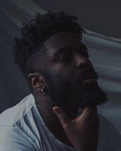 Harry Samba, Fine Black Men, Black Men Hairstyles, Fc B, Black Aesthetic Wallpaper, Foto Pose, Black Style, Hair And Beard Styles, Photoshoot Inspiration