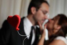 Top of the wedding cake | Enfeite do bolo em formato de balão de coração | red heart balloon candy |  | My wedding | Casamento da Karla