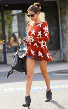 How to Chic: SELENA GOMEZ STARS JUMPER