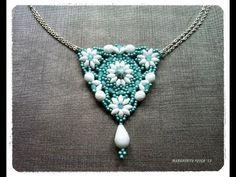 Tutorial con perline superduo, come fare un ciondolo (pendant) triangolare con perline superduo - YouTube