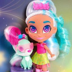 Hairdorables: Each doll package is a surprise – just pull, peel, and reveal 11 accessories and fashions that unwrap the unique personality, style, and talent of the Hairdorables girl hidden inside! Lol Dolls, Cute Dolls, Rocking Horse Toy, Kawaii Doll, Toys For Girls, Princess Peach, The Balm, Vibrant Colors, Mario