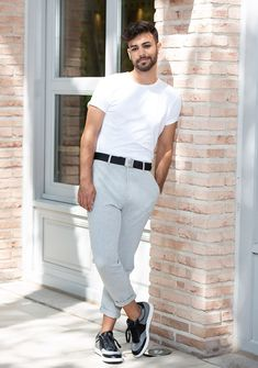 Agoney (OT 2017) modelo para Diez Minutos- RevistaDiezminu Dress Codes, Normcore, Handsome, Mens Fashion, Boys, Clothes, Dresses, Dolphins, Harry Potter