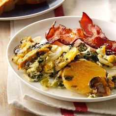 Overnight Vegetable & Egg Breakfast Recipe -My overnight eggs and veggies make a hearty breakfast for those who have to rush out the door. I use sliced potatoes, but frozen potatoes work, too. Make Ahead Brunch Recipes, Egg Recipes For Breakfast, Breakfast Ideas, Breakfast Menu, Brunch Ideas, Breakfast Time, Slow Cooker Recipes, Cooking Recipes, Crockpot Recipes