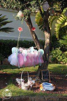 ¡Bienvenidos a nuestro jardín encantado! Cumpleaños hadas y duendes. www.sorpresasyotrossaraos.com