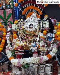 pic courtesy ଆଜ ଚନଦନଯତର ର ଚତରଦଦଶ ଦନ ର ଶରମଦନମହନଙକ ରଘନଥ ବଶ On the day of Chandan Jatra Shri Madanmohan is adorned in Raghunath Besha . Lord Jagannath, Lord Vishnu, Radhe Krishna, Incredible India, Jay, Tourism, Halloween, Instagram, Turismo
