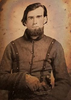 Old Fashioned Photos, Rebel Yell, Old Photography, Band Of Brothers, American Civil War, Revolver, Vintage Photos, 19th Century, Battle