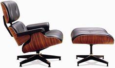 Eames Lounge Chair & Ottoman Commercialisés en 1956 après un travail de développement des designers Charles et Ray Eames pour le fabricant de meubles Herman Miller.