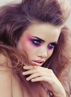 In this post you can take a look at some party pink and purple makeup ideas. Probably you have seen pink and purple makeup for the first time on the Barbie dolls you had when you were a child. Catwalk Makeup, Heavy Makeup, Runway Makeup, Party Makeup, Makeup Art, Makeup Eyeshadow, Makeup Ideas, Catwalk Hair, Pink Eyeshadow