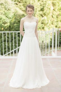 2016 Summer Strapless Wedding Gown For Beach A Line Pleated Chiffon Appliques Embellished Backless Bride Dresses For Girls Christian Wedding Dresses Fitted Lace Wedding Dresses From Adminonline, $134.04| Dhgate.Com