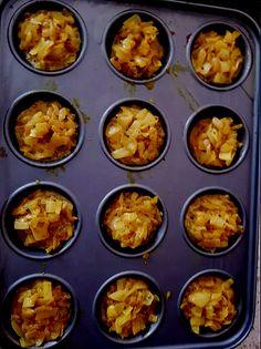 My Small Onion Bhaji Recipe by Maureen 😀 Veg Dishes, Curry Dishes, Vegetable Dishes, Curry Recipes, Vegetarian Recipes, Cooking Recipes, Onion Bhaji Recipes, Baked Onions, Appetizer Recipes