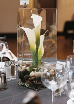 this reminded me of you and it would be really easy to make. (btw garden ridge had TONS of glassware stuff like this for off). Calla Lily Centerpieces, Beach Wedding Centerpieces, Simple Centerpieces, Flower Decorations, Wedding Decorations, Table Decorations, Church Flowers, Calla Lillies, Art Deco Wedding