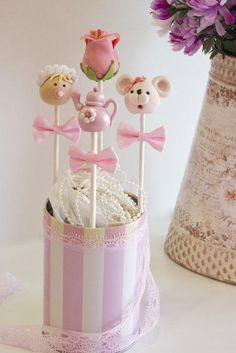 Cakepops - Cake by Marilo Flores