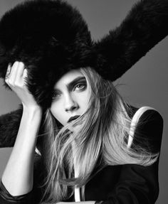 """Cara Delevigne in """"Cara Go Lightly """" / Photography by Terry Tsiolis / Styled by Samira Nasr, for Elle US September 2016 Cara Delevingne, Hair Styles 2016, Long Hair Styles, Elle Us, Elle Magazine, Models, Chic, Girl Crushes, Fashion Photo"""