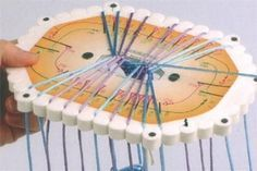 Set one disk for Kumihimo braiding flat braids + instructions: Finger Weaving, Wire Weaving, Yarn Crafts, Bead Crafts, Kumihimo Bracelet, Micro Macramé, Weaving Projects, Friendship Bracelet Patterns, Friendship Art
