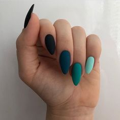 Discovered by maria leonidou. Find images and videos about beauty and nails on We Heart It - the app to get lost in what you love. Aycrlic Nails, Swag Nails, Hair And Nails, Nail Manicure, Glitter Nails, Cateye Nails, Manicure Ideas, Nail Gel, Nail Tips