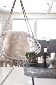 Some might see the Hanging chair, but I see the simple use of pillar candles in a peaceful home setting! Home Interior, Interior And Exterior, Sweet Home, Deco Boheme, Swinging Chair, New Room, Interiores Design, Home And Living, Feng Shui