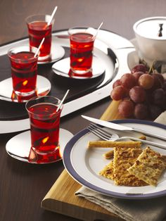 Hisar - Monaco Tea Set / Designed by İsmail Erdoğan - 2010 Good Design Award