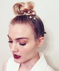 Celebrity Hair Stylist, Ryan Richman, creating a pearl dream with our Pearl Pin Set! #NoMoreHairDonts